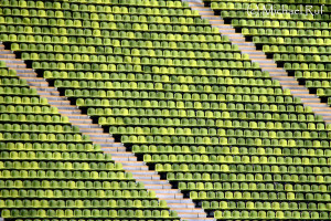 Bitte setzten! Ein detaillierter Einblick ins Olympiastadion in München.